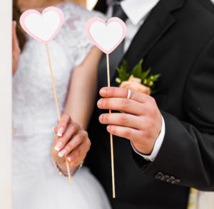 bodas covid 19 300x293 - El futuro de las bodas después de COVID
